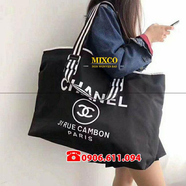 Xưởng may túi vải Canvas có dây đeo giá rẻ Mixco