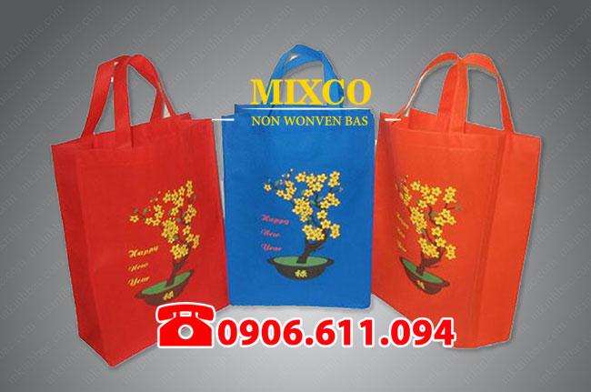 Túi vải không dệt đựng quà tặng lịch tết giá rẻ
