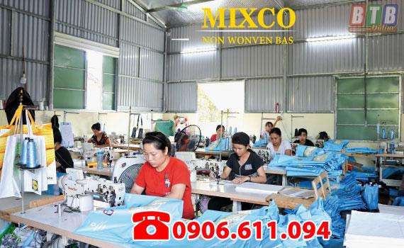 xưởng sản xuất may in túi vải Mixco